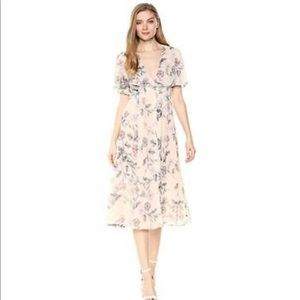 STR the label Azalea Floral Flowy